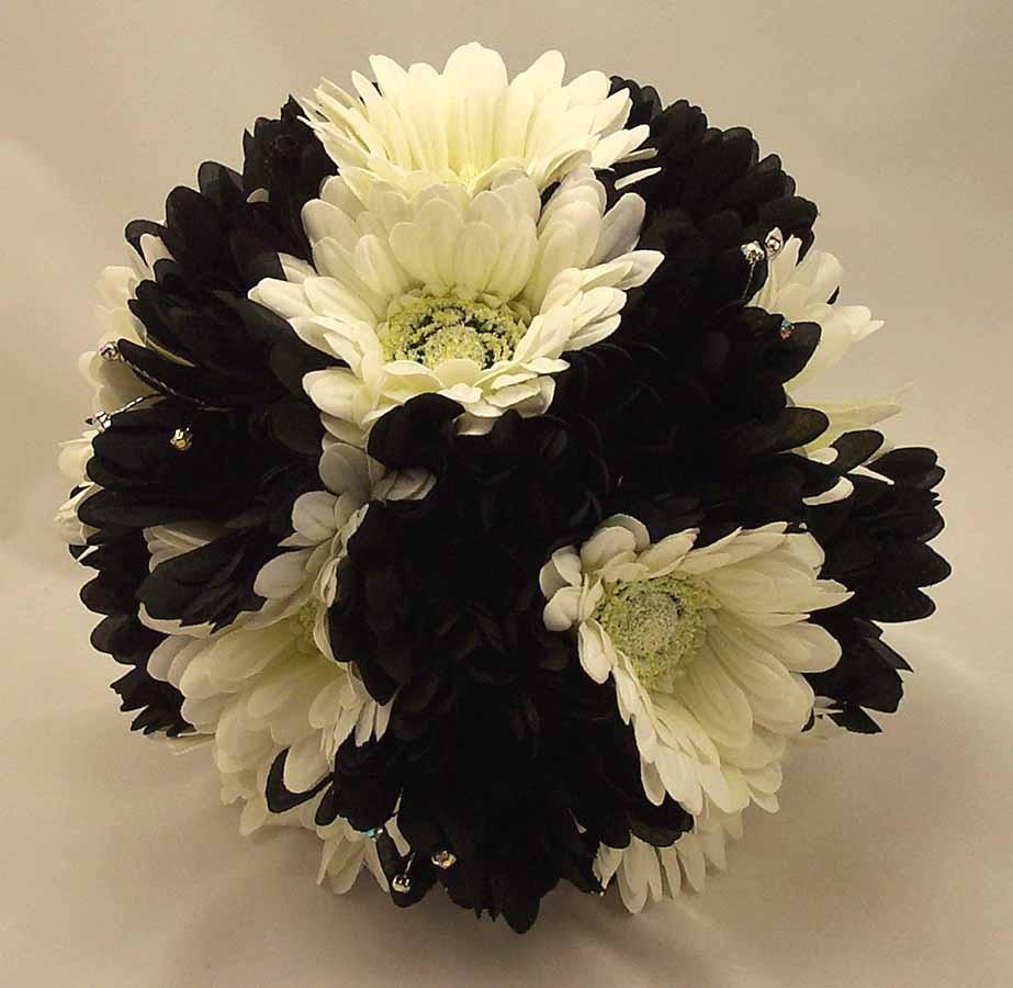 Black & White Gerbera Posy Bouquet