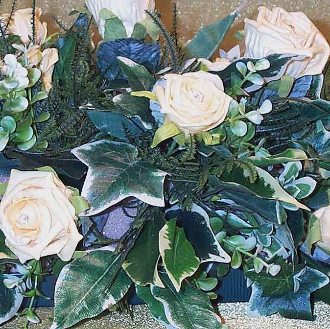 Gold Rose Table Arrangement