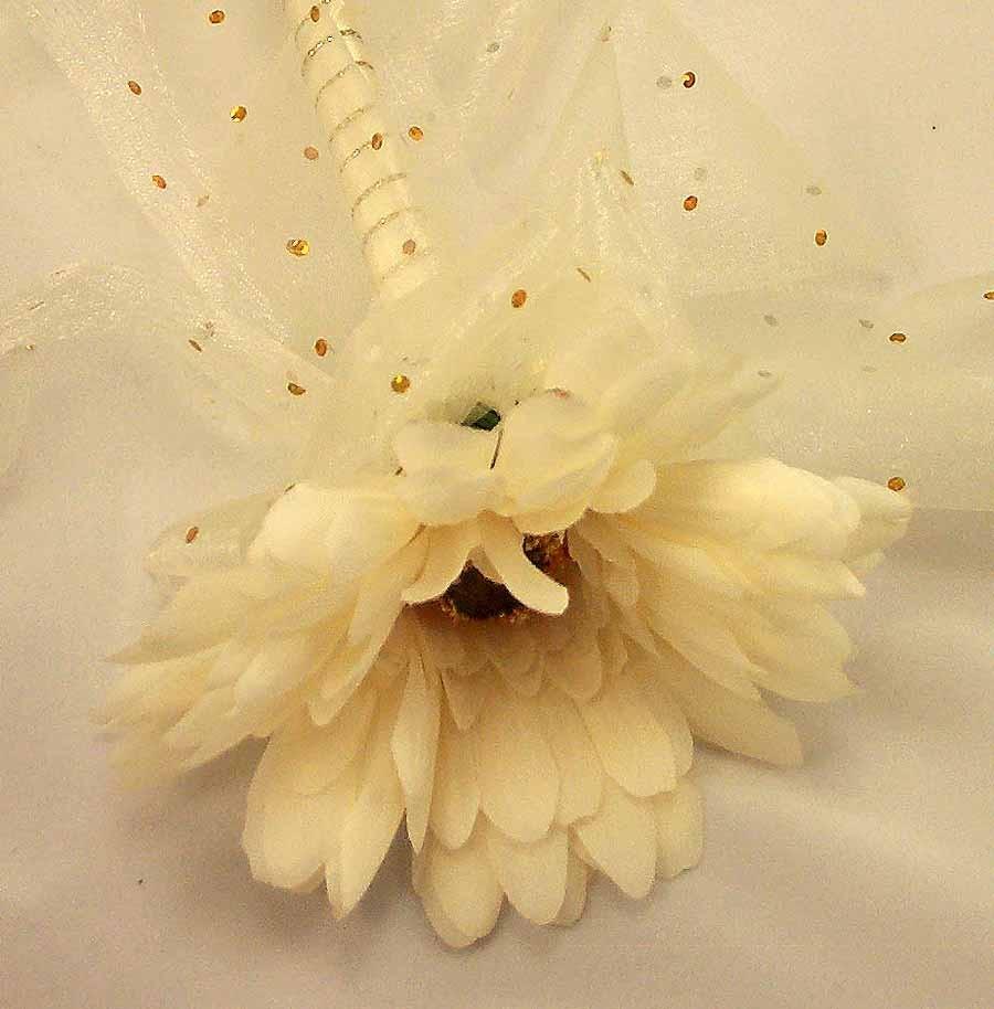Flowergirl's Ivory Gerbera Wand