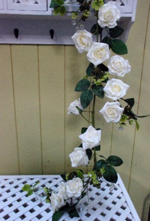 Cream Garden Rose Garland & Table Decoration